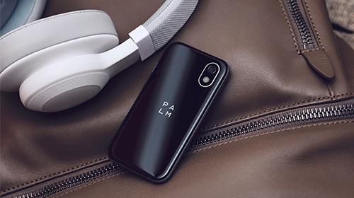 世界初、超小型スマートフォン Palm Phone